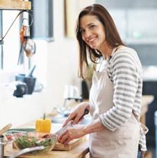 Mujer cocina